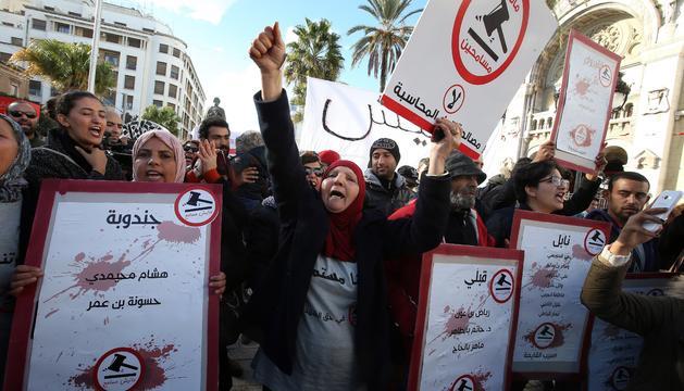 Les manifestacions diàries dels tunisians.