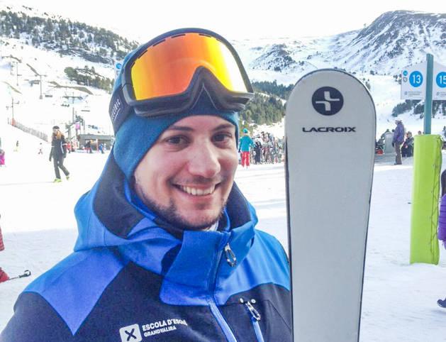 Sebastián Botanelli no abandona els esquís cap mes de l'any.