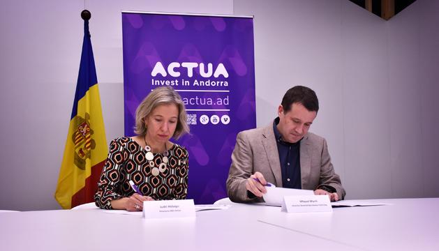 La directora d'Actua, Judith Hidalgo, i el director general de Barcelona Tech