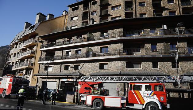 Un incendi declarat aquesta matinada a La Massana ha deixat un ferit de gravetat i tres més de lleus