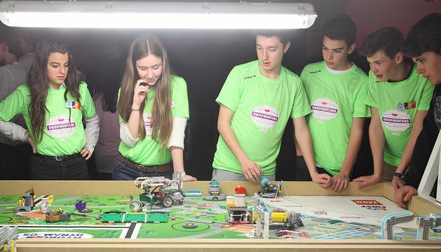 L'equip Ballroom guanya la final de la Lego League