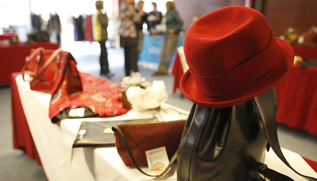 Un barret en venda al Mercat dels Encants d'Unicef.
