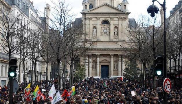 Manifestants, ahir al centre de París.