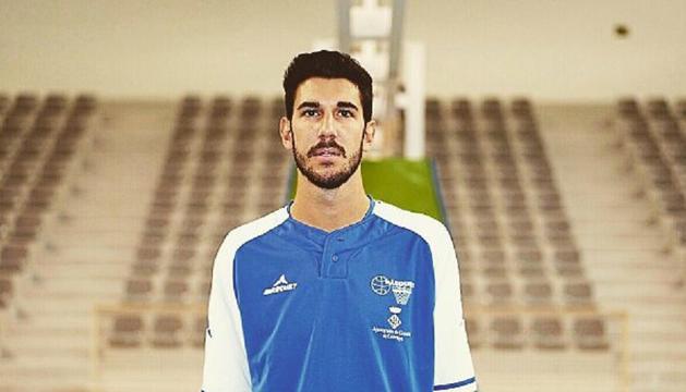El jugador de bàsquet Albert Farfan