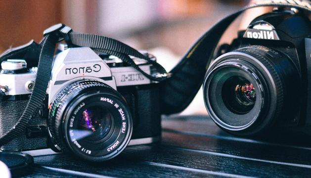 Una càmera de fotos. Mitja vida meva gira entorn d'aquest objecte