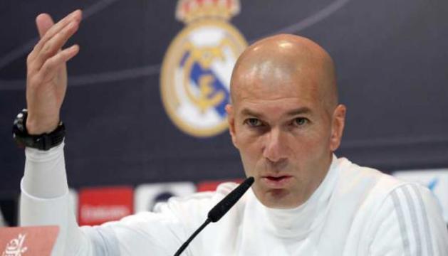 Zinedine Zidane, ahir en la roda de premsa prèvia al duel contra el Llevant.