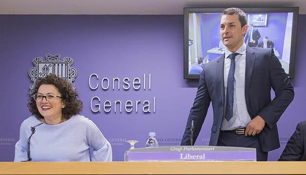 Els consellers liberals Judith Pallarès i Jordi Gallardo
