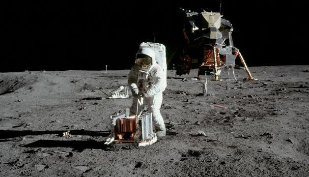 El primer aterratge sobre el satèl·lit de la Terra va produir-se el 1969