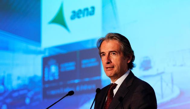 De la Serna anuncia 2.000 milions per als aeroports del Prat i Girona.