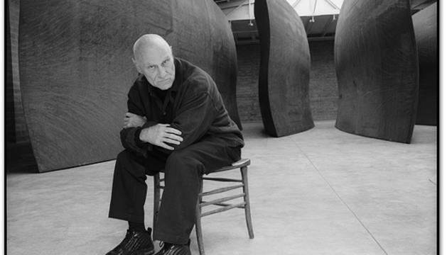 L'escultor americà Richard Serra és el meu referent, sobretot per la seva definició de l'espai