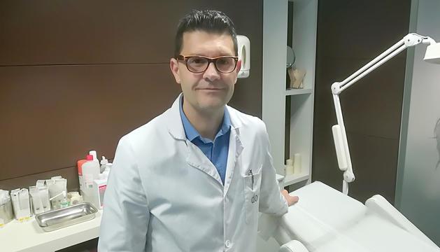 El doctor Raúl Peláez a la clínica Dorsia d'Andorra.