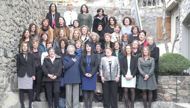 Foto de família de totes les conselleres generals de la història amb motiu del Dia de la dona treballadora de l'any passat.