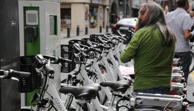 el servei de bicicletes elèctriques ja va estar en fase de prova l'estiu del 2014, a Andorra la Vella i Escaldes-Engordany.