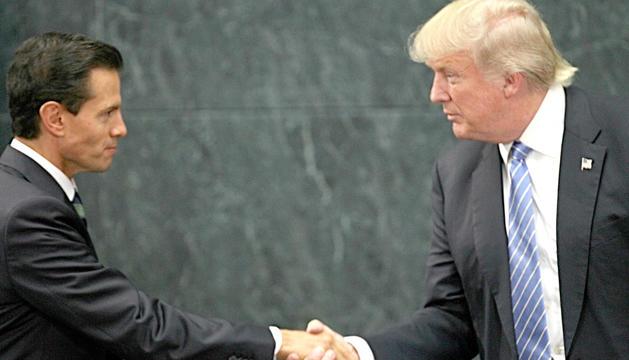 Imatge d'arxiu d'Enrique Peña Nieto i Donald Trump.