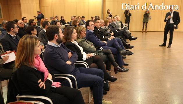 El ministre Gilbert Saboya en un moment de la reunió del Consell Andorrà per a la Competitivitat del Comerç