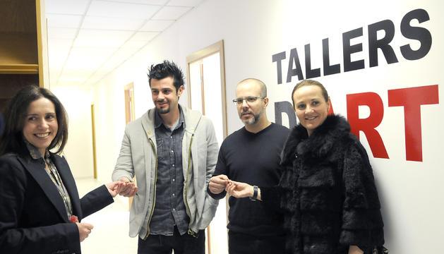 Philippe Shangti i Martín Blanco reben les claus per començar les obres de la Biennal