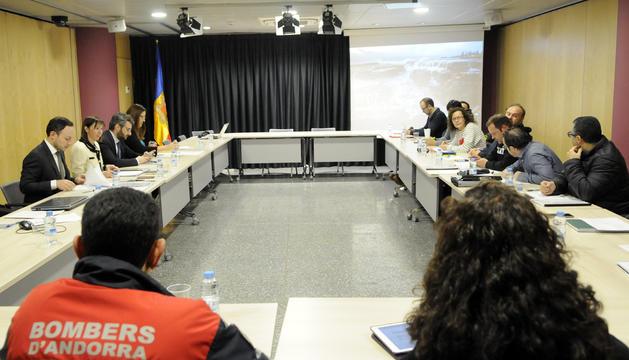 Els ministres Descarrega, Espot i Jover estan reunits amb els representants dels treballadors públics