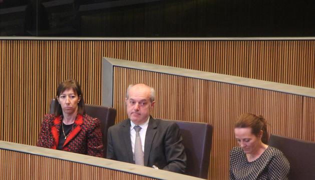 El ministre de Salut, Carles Álvarez, al centre, durant la sessió de Consell General