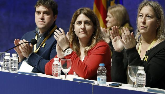 Marta Pascal amb Neus Munté i David Bonvehí, en el consell nacional d'ahir.