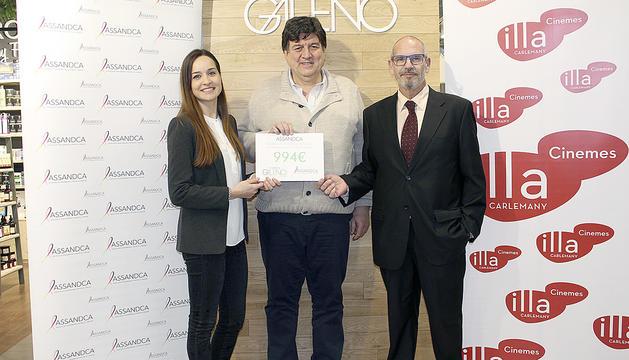 L'Assandca rep mil euros per lluitar contra el càncer