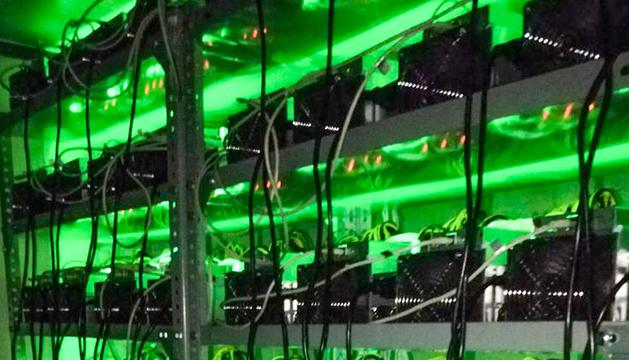 Els equips d'Andorra Hashpool treballen les 24 hores per ser els primers a resoldre l'algoritme