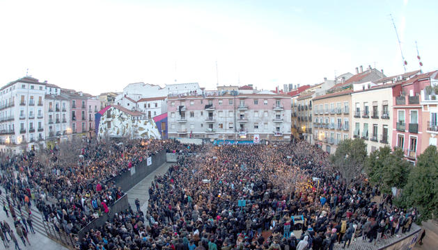 Un moment de la manifestació que va recórrer el barri madrileny de Lavapiés, ahir a la tarda.