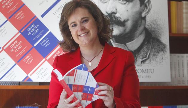 Ludmilla Lacueva, amb primera incursió en la novel·la negra.