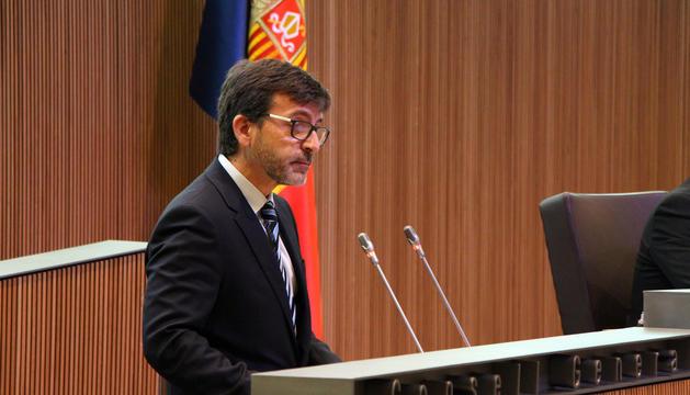 El ministre de Finances, Jordi Cinca, durant la sessió ordinària d'aquest matí al Consell General.