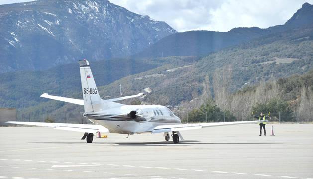 L'aeroport de la Seu d'Urgell està cobrint actualment vols turístics amb Madrid i Palma de Mallorca operats per Regina i El Teu Soci Aeri (TSA).
