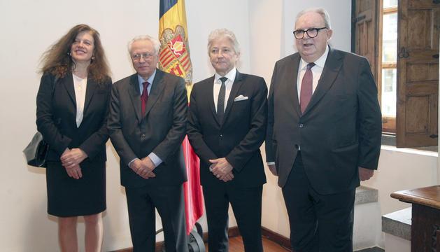 Els quatre membres del TC: Laurence Burgorgue-Larsen, Isidre Molas, Dominique Rousseau i Josep Delfí Guàrdia.