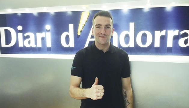 El pilot del Reale Avintia Racing de MotoGP, Xavier Siméon, a la redacció del Diari d'Andorra.