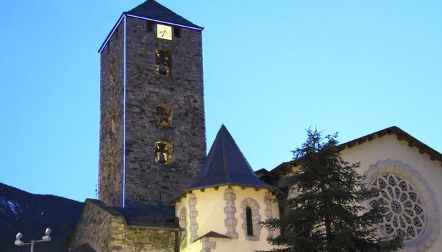 L'església de Sant Esteve d'Andorra la Vella, ahir a la nit.