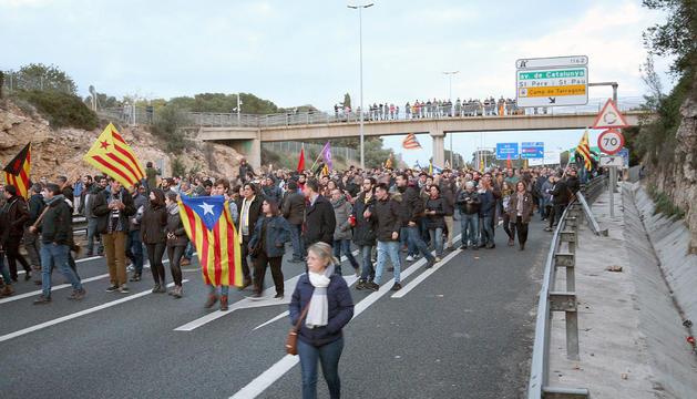 Els manifestants van tallar l'AP-7 a Tarragona el 25 de març.