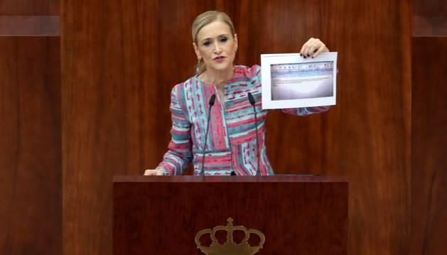 La presidenta de la Comunitat de Madrid, Cristina Cifuentes, ahir durant la compareixença.