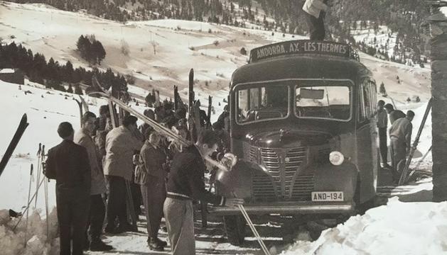 Imatge de Josep Alsina Martí del Dodge Fargo aturat a Soldeu, 'Jornada d'esquí a l'Arieja'.