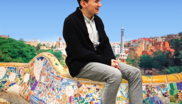 Suposada foto o fotomuntatge de Liam Andreu amb Barcelona de fons.