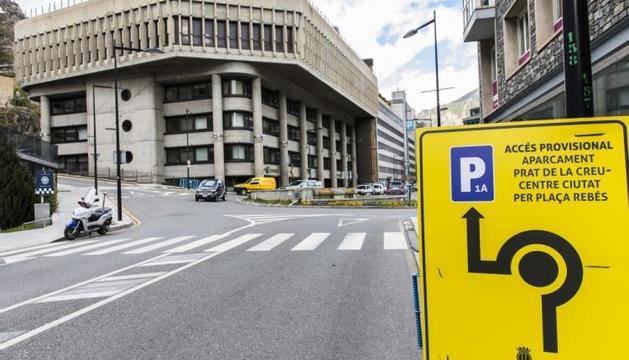 Senyalització provisional a Prat de la Creu.