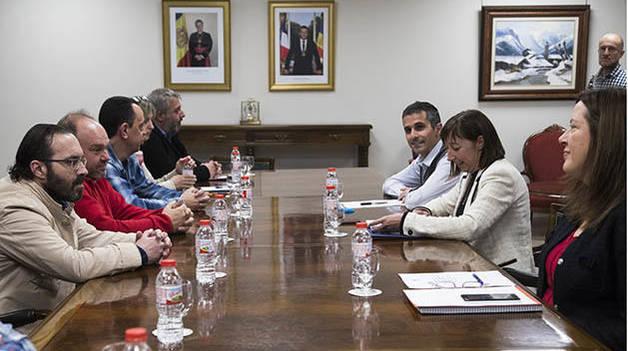 Moment de la reunió entre els sindicats i la ministra de Funció Pública, Eva Descarrega
