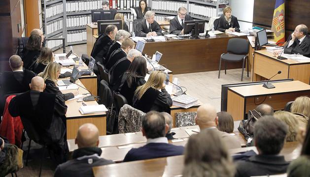 El judici del 'cas BPA', pendent de la decisió del Constitucional.