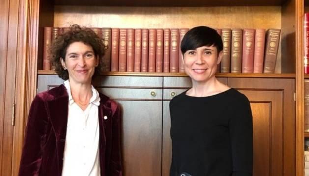 La ministra Maria Ubach i la seva homòloga noruega, Ine Eriksen Søreide, durant la reunió