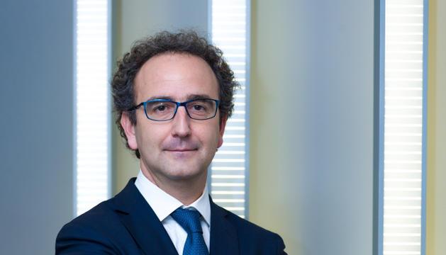 Gerard Albà és el cap d'inversions de Vall Banc.
