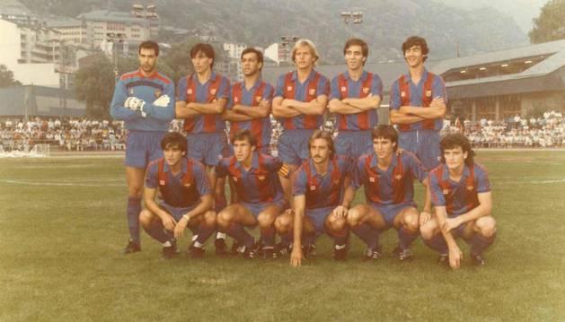 L'onze inicial del Barça abans de jugar contra l'FC Andorra al Comunal, l'agost del 1986.
