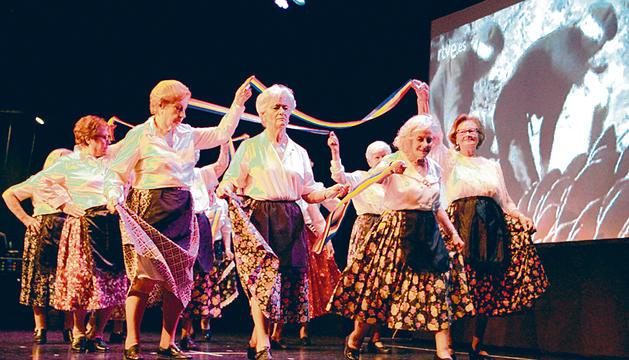 El Cau d'art dedica el seu espectacle a Radio Andorra