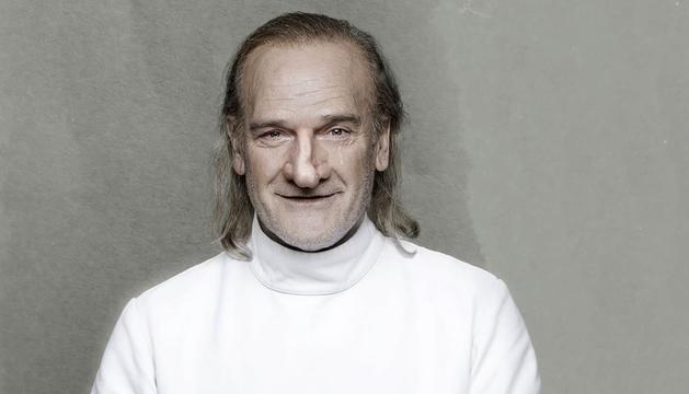 L'actor català, caracteritzat com l'antiheroi de Rostand.