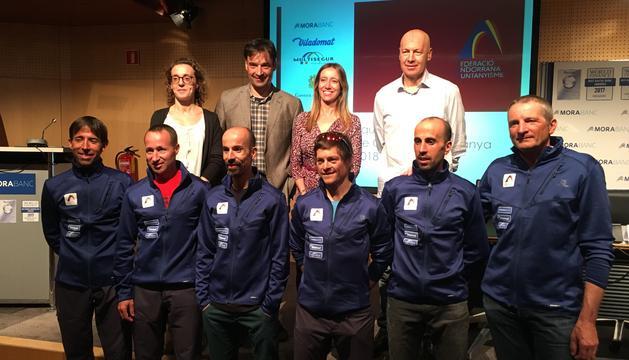 Presentació de l'equip nacional de curses de muntanya a la seu social de MoraBanc