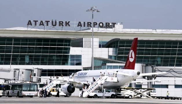 La parella no va poder trepitjar Istanbul.