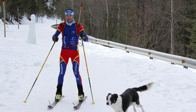 La carretera tallada ha servit per practicar esports de muntanya