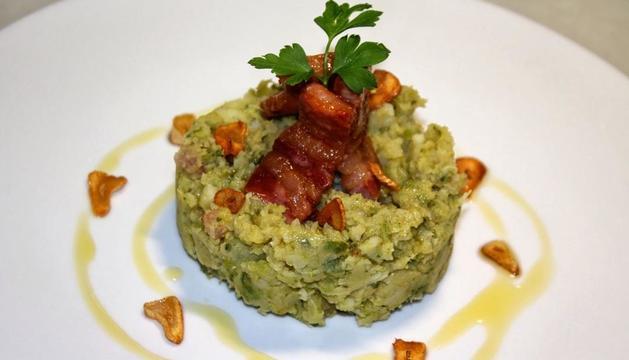 El trinxat és un dels plats típics de la cuina tradicional de muntanya.