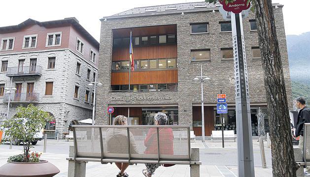 Façana de la casa comuna d'Andorra la Vella.