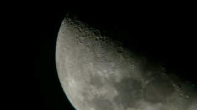 Tres ovnis a la Lluna